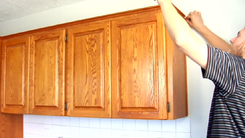 learn to measure for your crown molding, base molding,and other moldings needed for your kitchen cabinets
