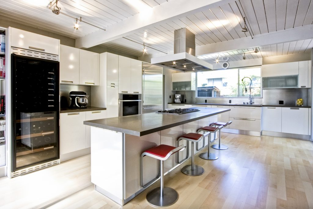 Custom Cabinets In Seattle Offer A Variety Of Looks But The Most Popular  Choice Is Definitely A More Modern, Clean Approach.